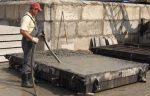 Как вибрировать бетон при заливке – правила, виды оборудования и процесс