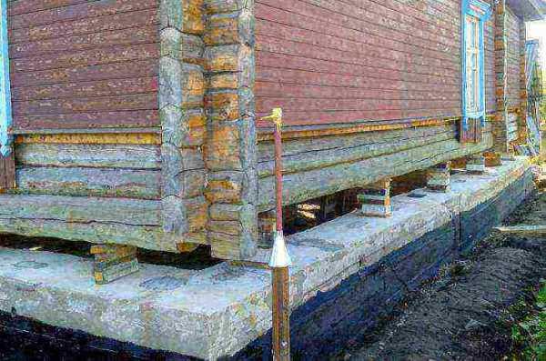 Какой домкрат нужен для поднятия деревянного дома ...