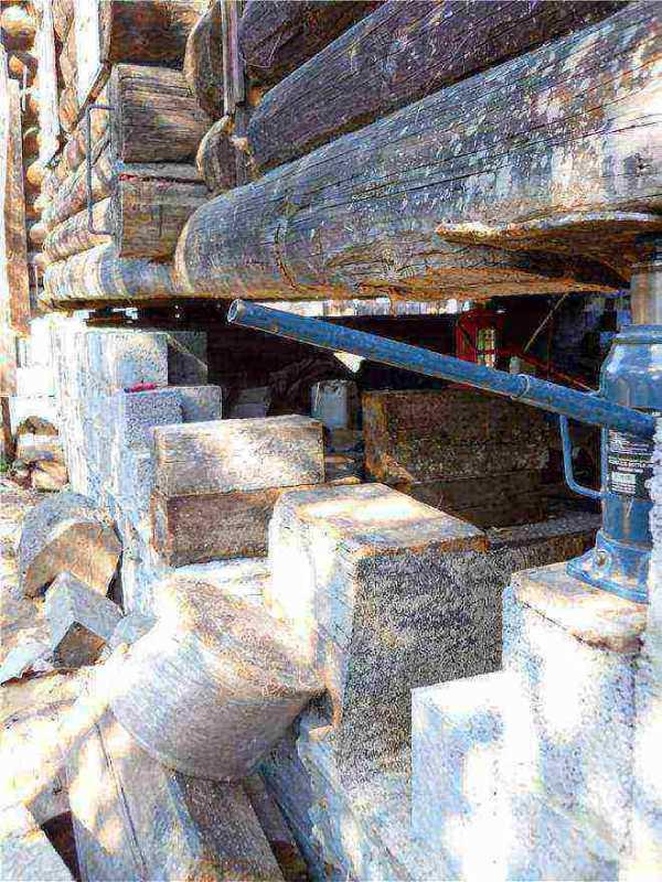 домкрат поднятия деревянного