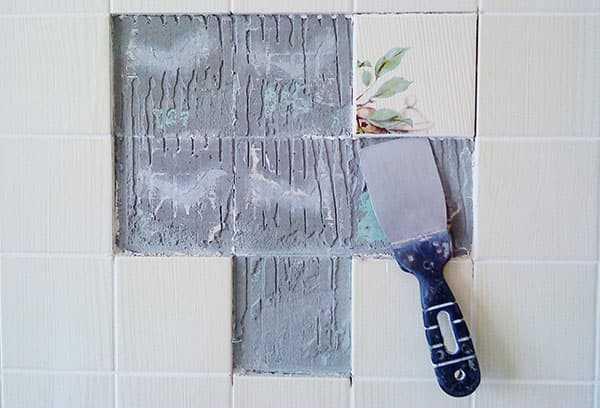 Как лучше всего снять плитку со стены