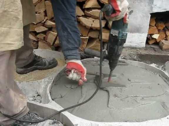 как из перфоратора сделать вибратор для бетона